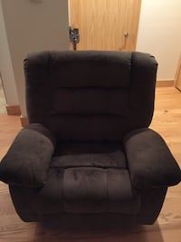 Brown Recliner brand new
