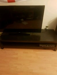 tv stand  St. Catharines, L2T 2L6