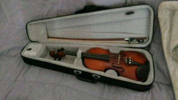 Full size violin excellent condition