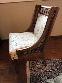 Antique chair White and brown floral Vaughan, L6A 1C2