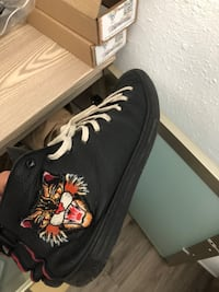 Gucci sneakers authentic with receipt limited edition Santa Monica, 90401