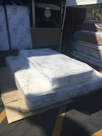 Whit and grey floral mattress Oxnard, 93030
