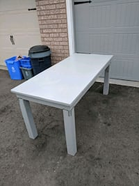 Handmade rustic table Barrie, L4M