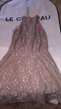 Small le chateau dress, no damage is done to the dress  Port Coquitlam, V3B