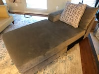 Chaise lounge with silver button lining Woodbridge, 22192