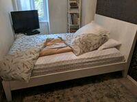 Double Bed and mattress Toronto, M5A 4C9