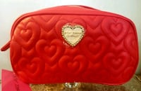 Betsey Johnson cosmetic bag- red quilted hearts  2263 mi