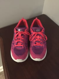 Sketchers Running Shoes  New Tecumseth, L9R 0G8