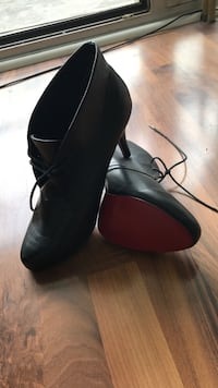 Black heels with Red Bottoms Cologne, 50672