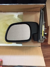 Ford F-250 driver and passenger mirrors  Calgary, T2M
