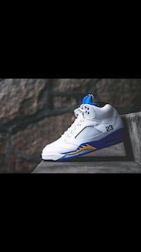 jordan 5 laney BNIB size 10 100% authentic pick up Vancouver, V5R 6H8