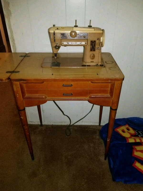 Brukt 40's Singer Sewing Machine In Cabinet 40A Til Salgs I Simple Singer Sewing Machine 1950 In Cabinet