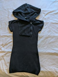 Long black hoodie sweater with short sleeve size small