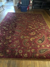 9 x 12 burgundy brown and gold Paisley area rug Amityville, 11701