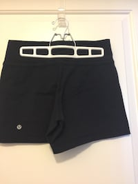 Lululemon short short black small Oakville, L6K 3C7