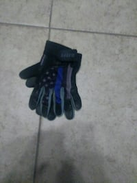 black-and-blue batting gloves Bakersfield, 93308