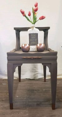 Refinished end table/accent table Dallas, 28034