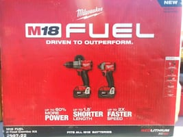 Milwaukee Fuel M18 Hammer drill and Impact combo k