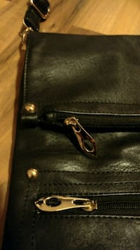 Excellent Condition Black Leather Purse Vancouver, V6B 2V2