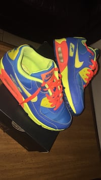 pair of blue-and-yellow Nike basketball shoes Metairie, 70003
