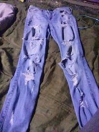 Hollister ripped jeans size 5
