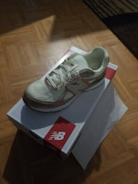 New in Box Kids new balance 990v4 Women's size 7 Parkville, 21234