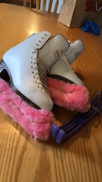 Jackson classique figure skate 7 pick North Dumfries, N0B 1E0