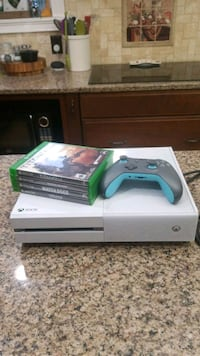 White Xbox One w/ 4 games and controller  Arnold, 21012