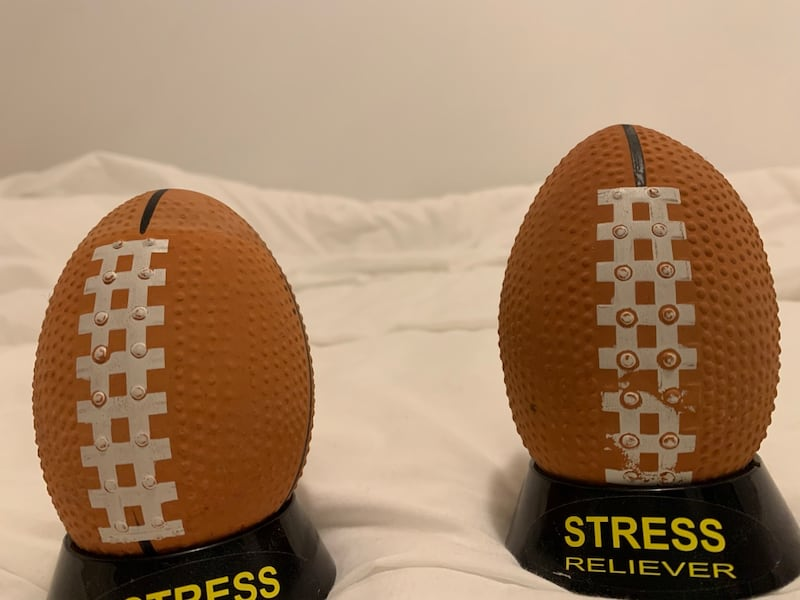 Stressball 2 for 100 1 for 50 01f92d68-a9f1-469b-94ab-f8ca4a095105