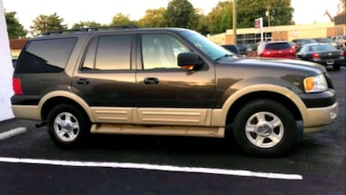 2006 Ford Expedition》4WD SUV》LEATHER》DVD》3RD ROW》