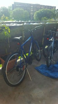 blue and black hardtail mountain bike Mississauga, L5K 1B6