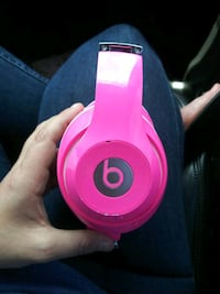 Beats by Dre studio pink