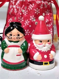Salt and pepper santa and Mrs clause shaker