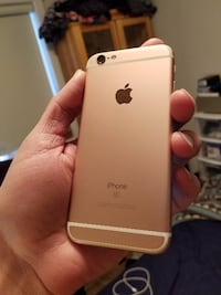 Rose Gold Iphone 6S 16 Gigs - Telus - $365 FIRM