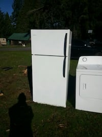 Frigidaire selling for $100 great condition