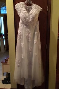 White wedding dress Oklahoma City, 73020