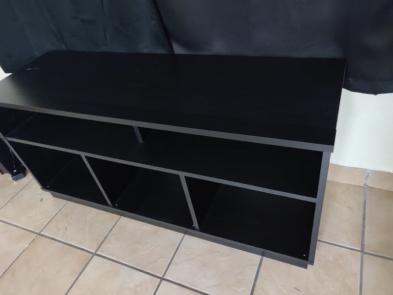 Living room tv stand 6635b0b3-5971-449c-86e2-4be9cd3a47bf