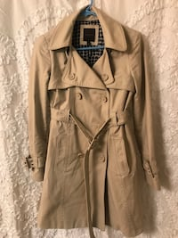 Women's khaki trench coat  Arlington, 22206