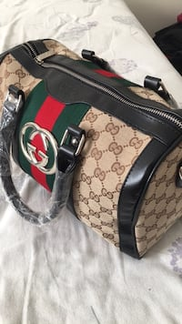 Black and red gucci leather! Hamilton, L8J 0J3