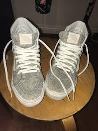 Pair of gray high-top sneakers Chino Hills, 91709