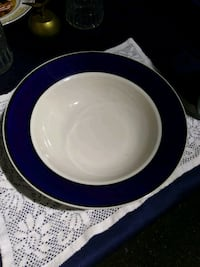 Large blue trimmed serving bowl Perry, 48872