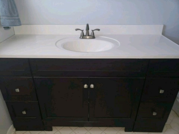 Used 60 inch Bathroom vanity for sale in New Orleans - letgo
