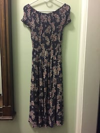 blue and red floral scoop-neck dress Chicago, 60614
