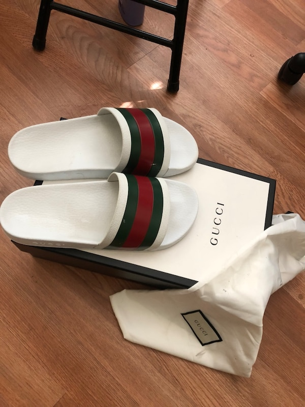 4f73e5f1c09 Used Size 9 Gucci Slides ( NO TRADES DONT HIT ME UNLESS YOU GOT CASH READY)  for sale in Oakland - letgo