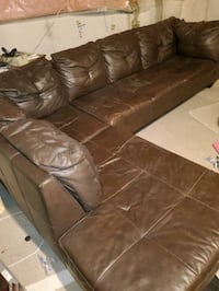 Brown sectional Brampton, L7A 0M2