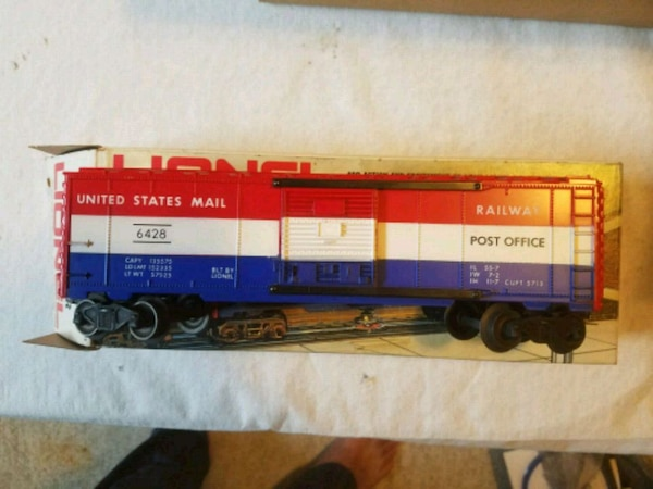 Lionel 6428 mail car with box