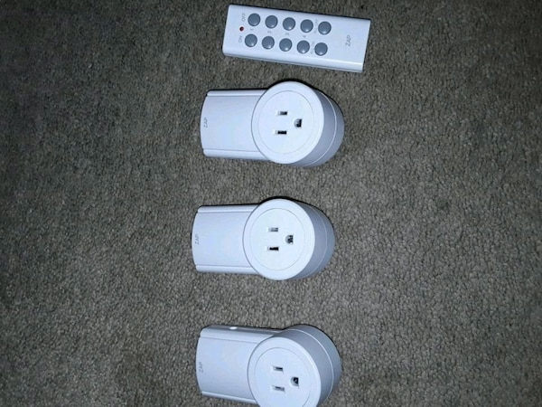 3 remote controlled power outlets