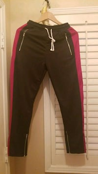 Trendy track pants small size Mississauga, L5V 2Z9