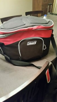 black and red Coleman bag Longueuil, J4K 2W6