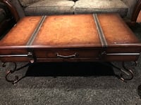 Brown wooden 2-drawer coffee table Mascouche, J7K 3H4